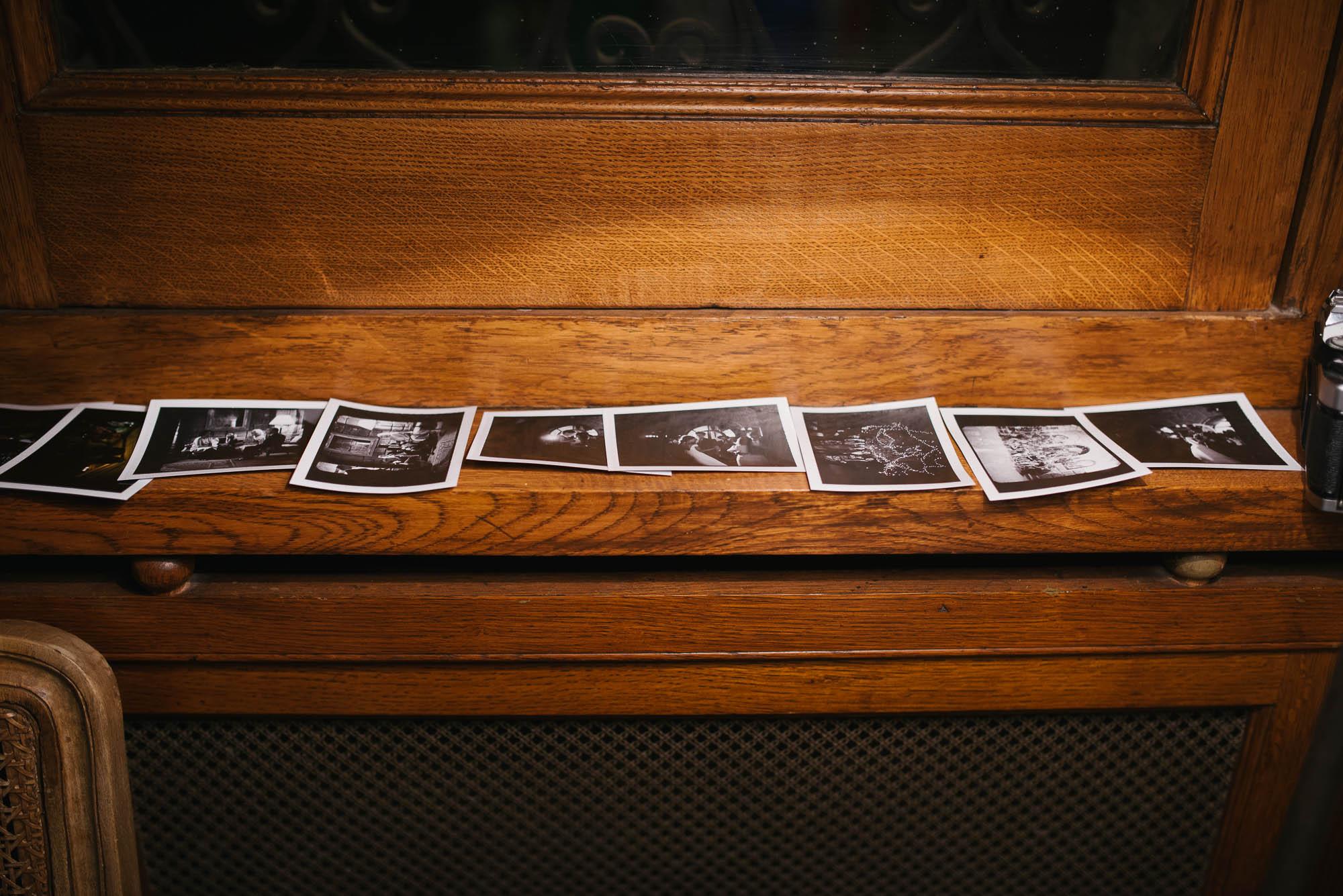 Unas fotografías impresas del día de la boda