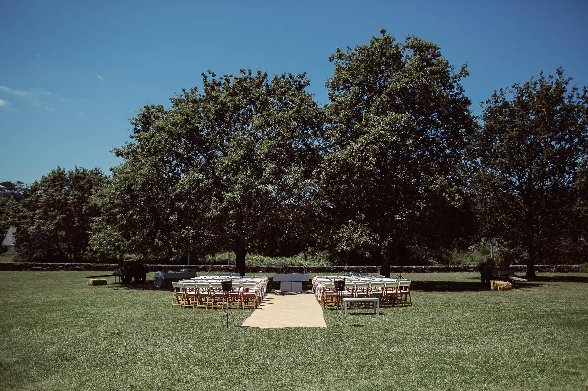 El montaje de la ceremonia de una boda