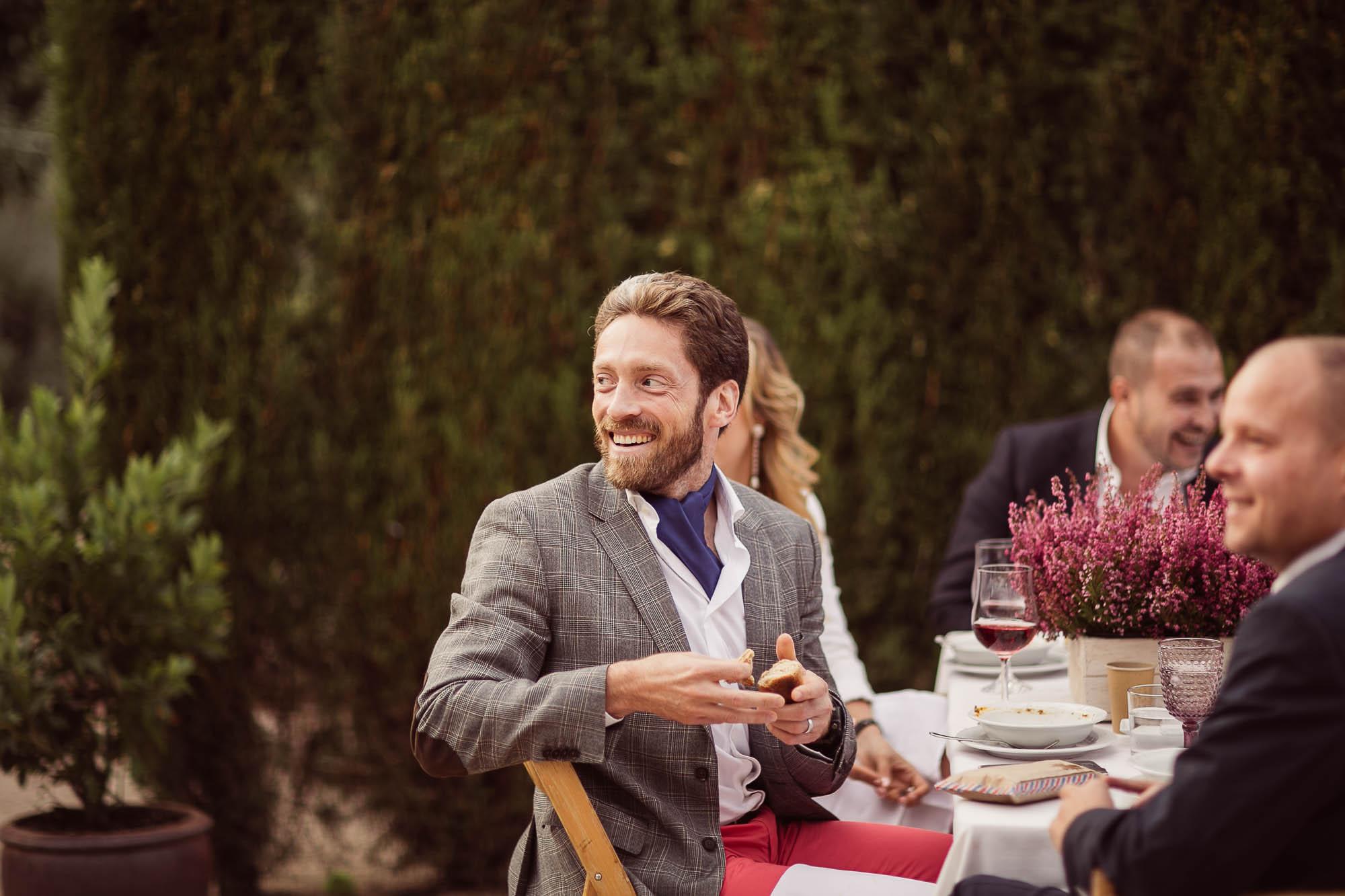 Invitados durante la boda